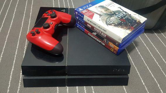 PS4 FAT 500GB WITH 4 GAMES
