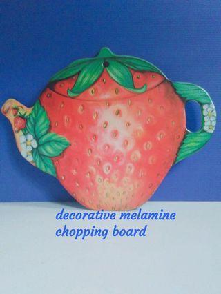 🚚 Strawberry Chopping Board