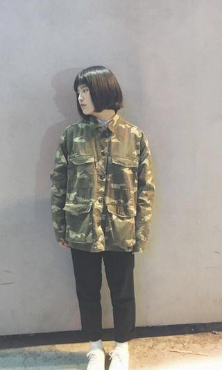 急售隨便賣 H&M 迷彩襯衫  可以當外套 可以直接穿 男女都可以穿 急售!!