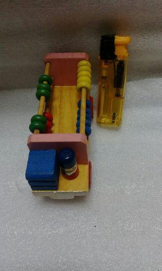 🚚 46.早期木頭玩具車