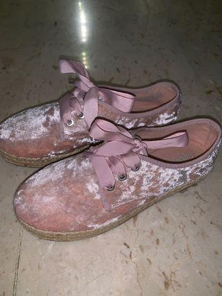 Cotton on pink velvet shoes