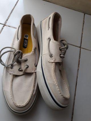 sepatu sperry #maujam