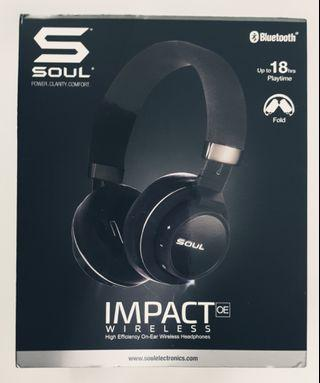 (PRICE REDUCED)SOUL Impact Oe bluetooth headset!18 hours playback!