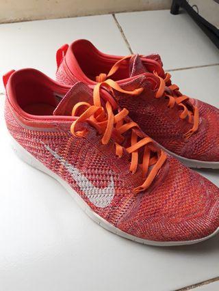 Sepatu Nike Running #maujam
