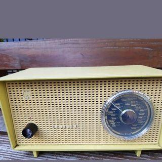 Antique Tube Radio Philips