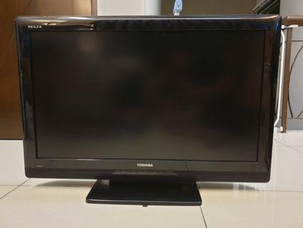 """Toshiba REGZA 32"""" LCD - 32AV500E #carouraya #oyohotel"""
