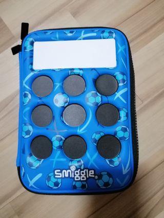 🚚 Smiggle pencil case
