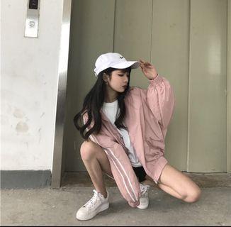 粉紅色條紋防風外套