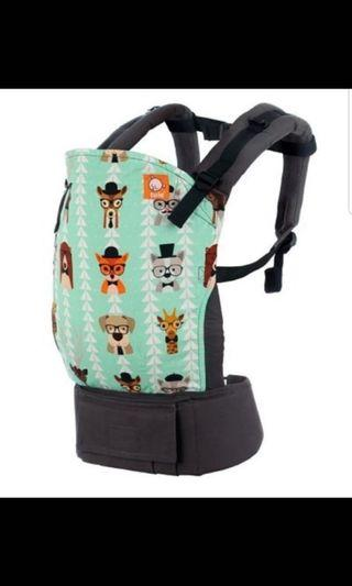🚚 Tula standard baby carrier with free baby insert.