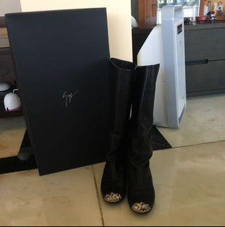 Giuseppe Zanotti boots #MTRcentral