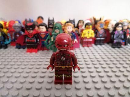 DC CW THE FUTRE FLASH / PIZZA Face / SAVITAR