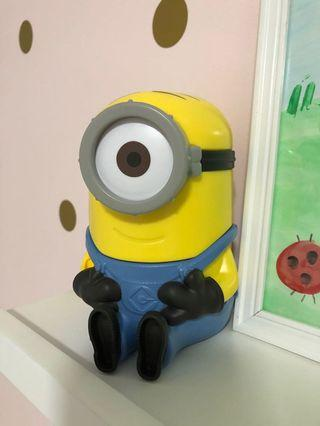 🚚 Minion cereal container