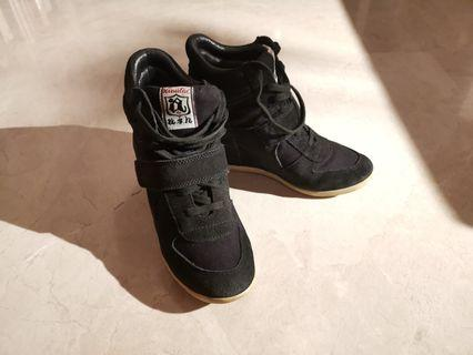 🚚 Ash Bowie Wedge Sneakers - size 37