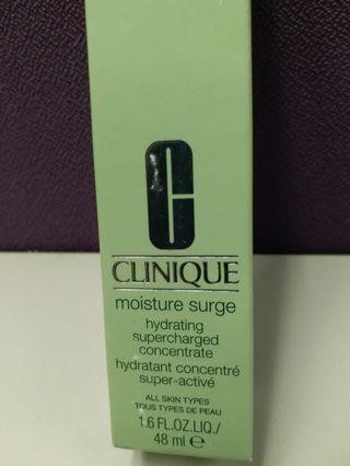💝幫朋友放💝全新CLINIQUE moisture surge (hydration hydratation)all skin type 48 m保濕護膚用品市面大約400多元,現優惠價l$250,深受女仕歡迎,大愛用品必備首選。👍💝💝優惠。👍👍💝💝