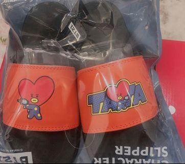(ONHAND) OFFICAL TATA AND CHIMMY BT21 Slippers