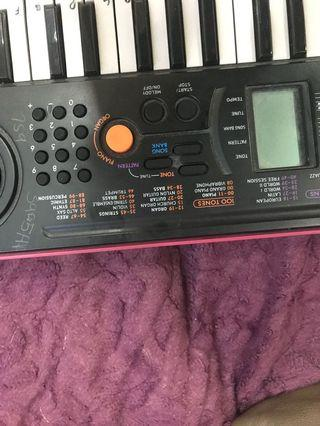 🚚 Kids electronic piano selling very cheap