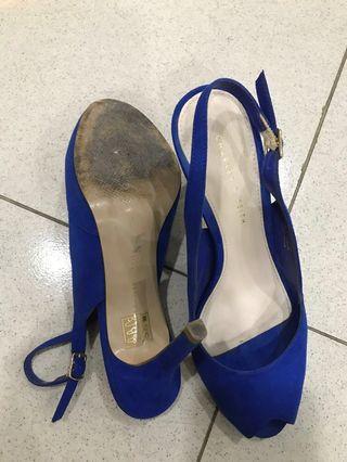Heels biru
