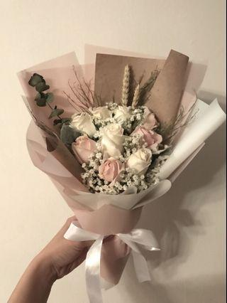 Classy Pink and white roses bouquet