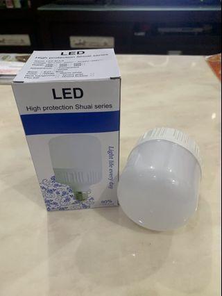 🚚 📍全新!LED燈泡 20瓦白光 防蚊防雨室外可用