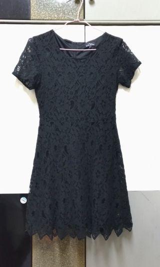 🚚 蕾絲黑色洋裝