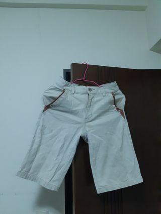 🚚 米白短褲