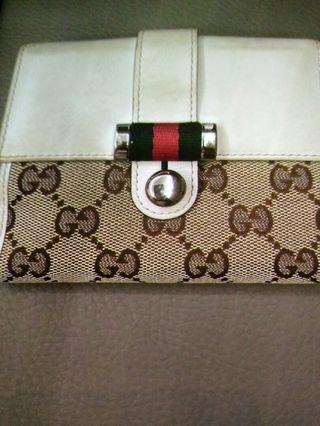🚚 Authentic Gucci  Bag Wallet
