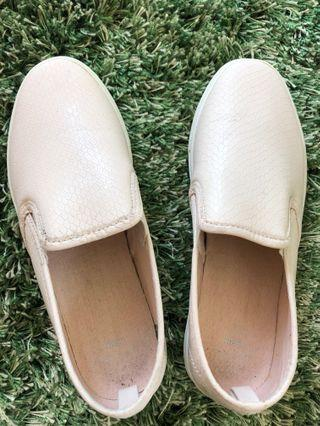 🚚 Ladies shoes (brand new)