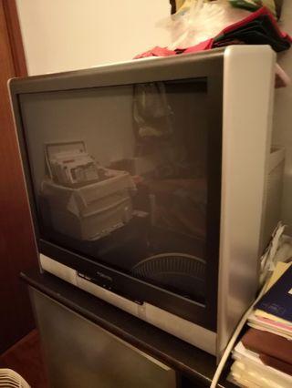 Toshiba 24寸電視