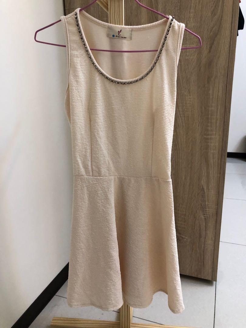 婚禮必備淡黃色小洋裝 #半價衣服拍賣會