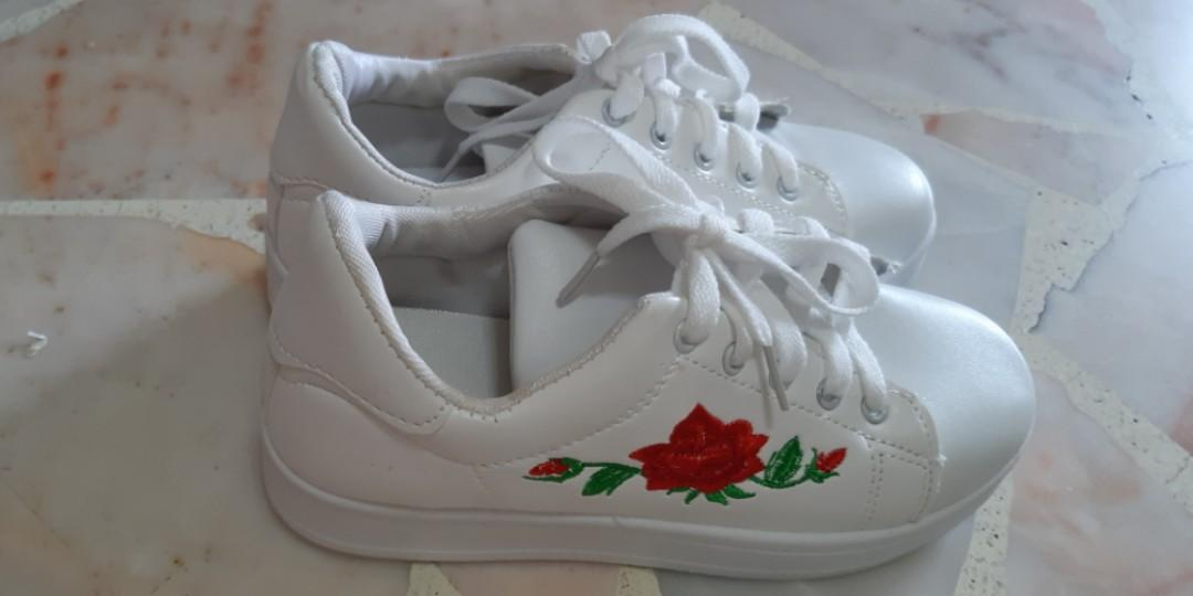 Brand New White Rose Embroided Sneakers
