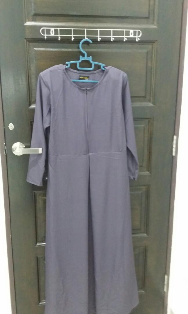 Dark purple Dress/jubah for raya