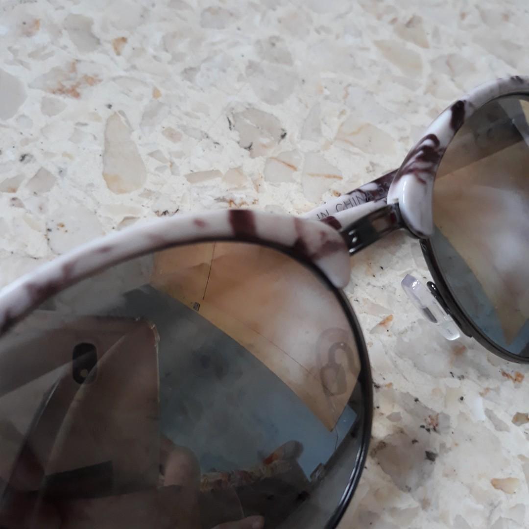 Kacamata Miniso / Sunglasses