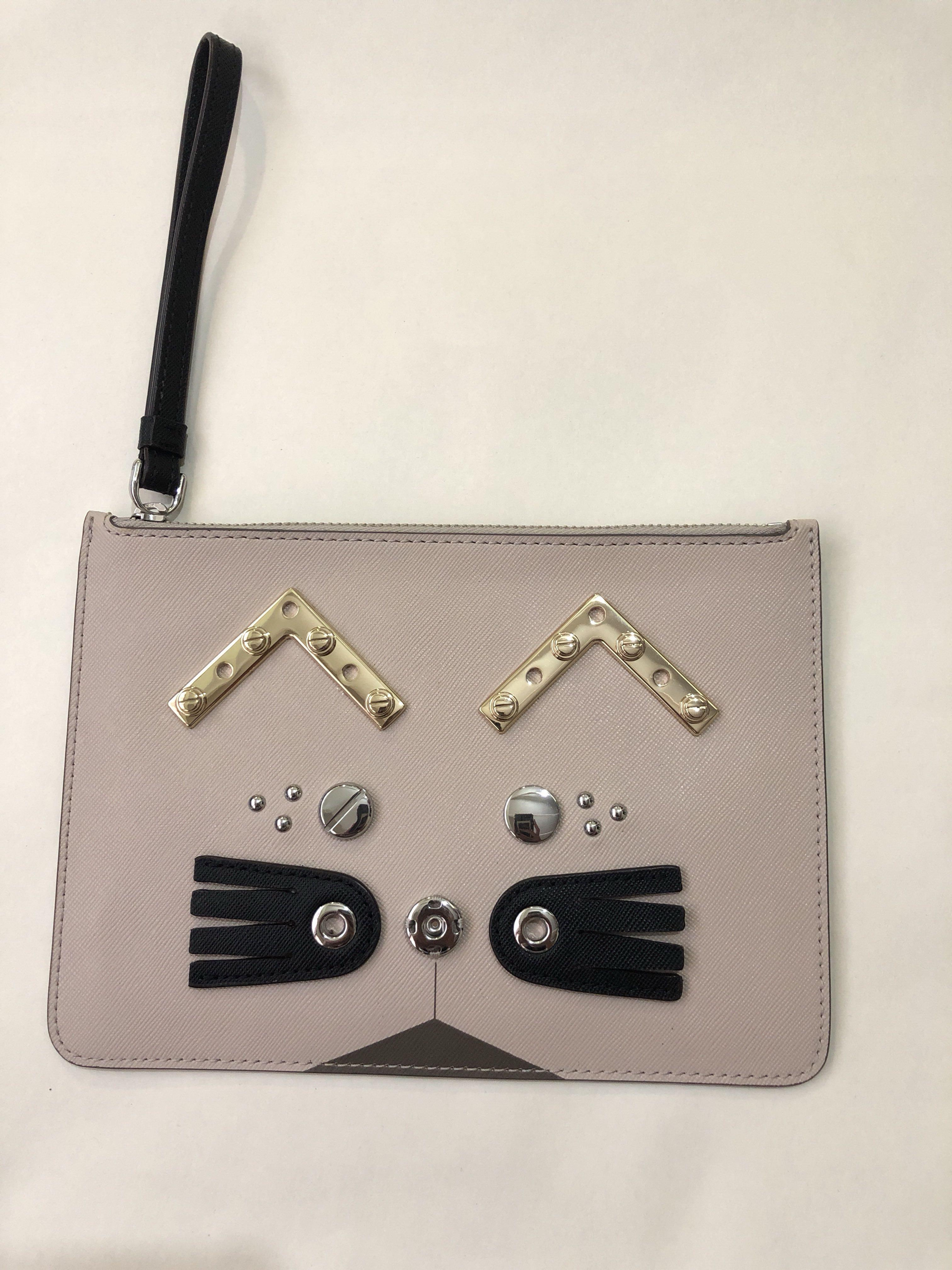 Marc by Marc Jacobs Screwed up Faces Gato Wristlet Zip Pouch (Grey)