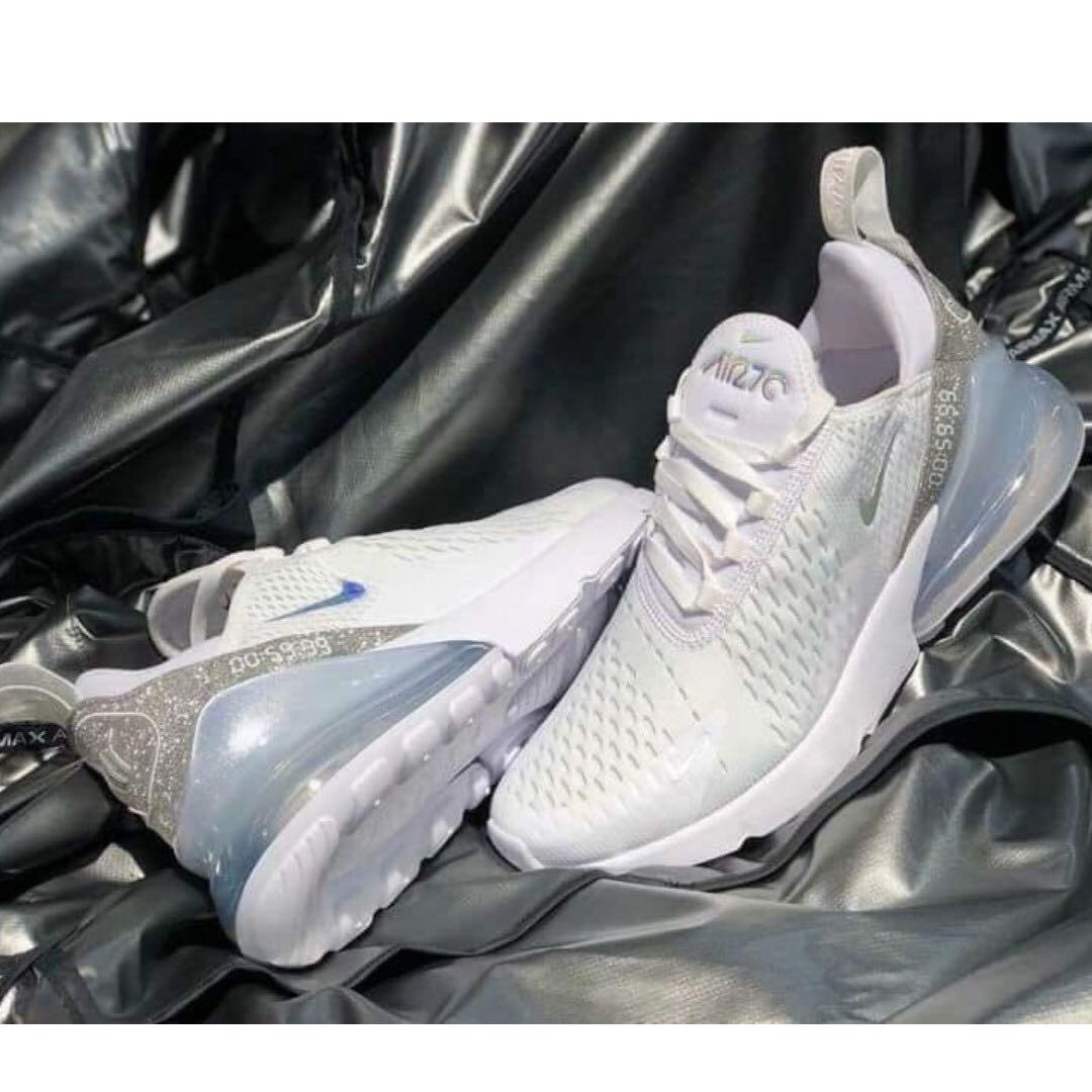 new product e3e59 167ae Nike Air Max 270 , Women's Fashion, Shoes, Sneakers on Carousell