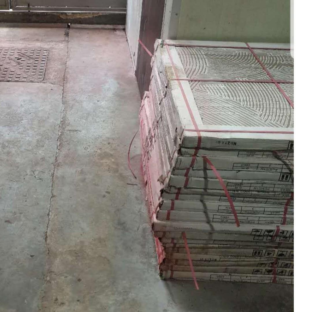 sell ceramic tiles, floor, glossy, 43 meters, 10 S$/meter, 800 * 800mm