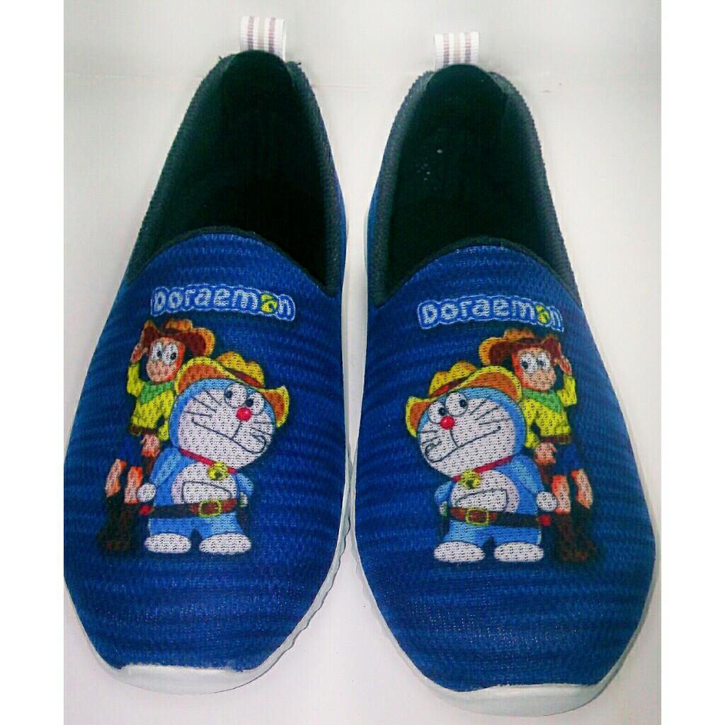 Sepatu Doraemon terbaru