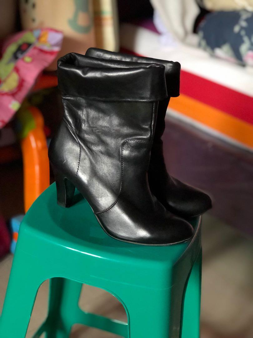 STACCATO Black boots