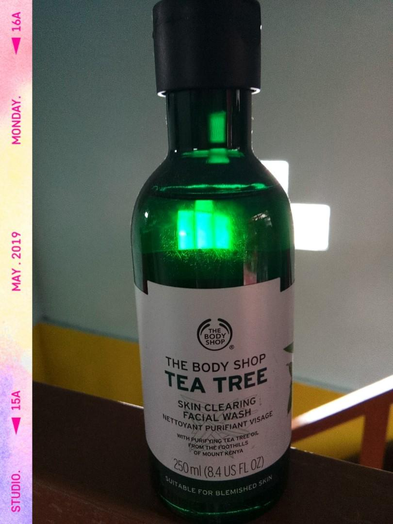 The Body Shop Tea Tree (facial wash)
