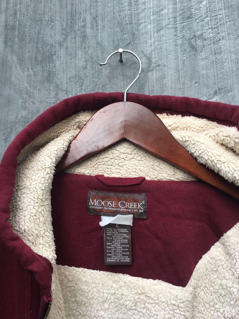 Ziphoodie maroon bahan dalam bulu