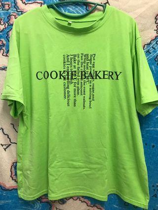🚚 螢光綠字母T恤