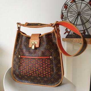 Louis Vuitton Monogram 窿窿手袋斜孭袋 authentic crossbody bag #MTRcentral  #MTRkt   #MTRtw   #MTRcwb   #MTRtko    #MTRtst  #MTRssp  #MTRmk  #MTRst  #MTRtm