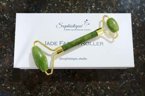 Authentic Jade Facial Roller 🍃