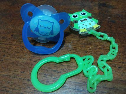 🚚 Preloved Dr Brown's Pacifier and pacifier chain clips