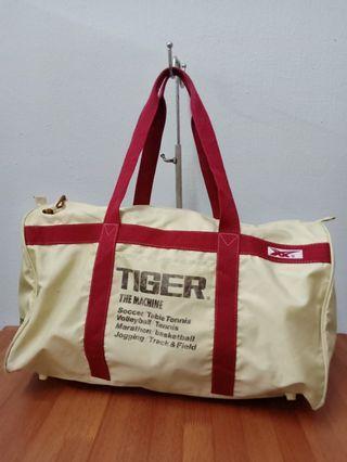 Vintage Asics tiger training bag