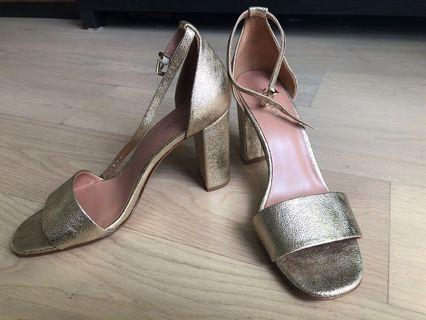 Max&Co. 金色高跟鞋 gold high heels