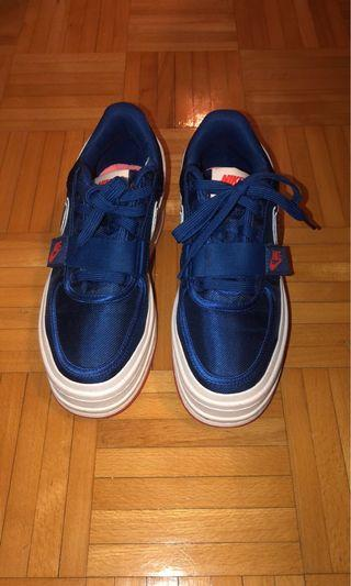 NIKE WOMENS VANDAL SHOES: SIZE 7