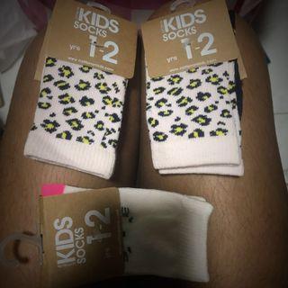 🚚 BN COTTON ON Socks