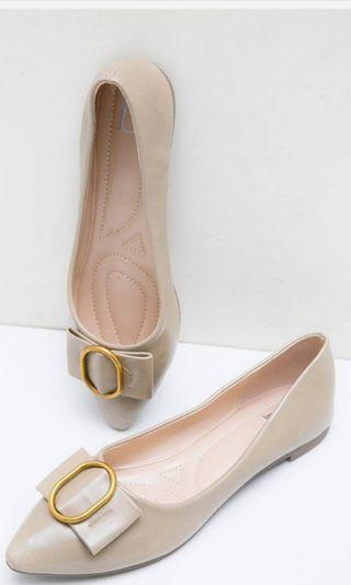 Nude Flat shoes by Berrybenka