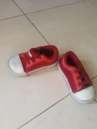 Sepatu gabino