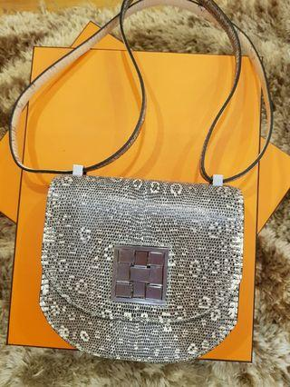 Brand new mosaic sling bag in Ombre Lizard phw